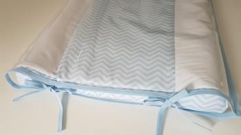 Trocador anatômico impermeável - Chevron azul bebê